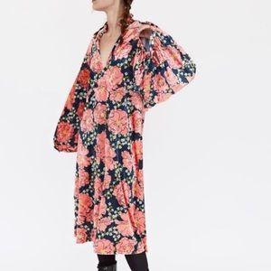 NWOT Zara \\ velvet floral midi dress with slit
